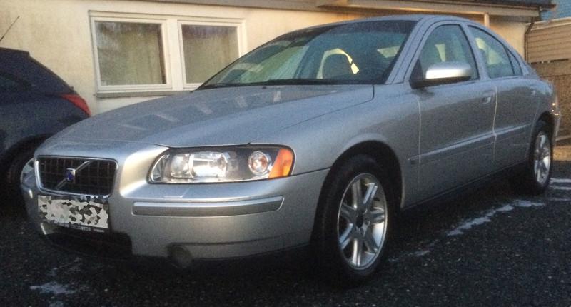 VolvoS60.jpg